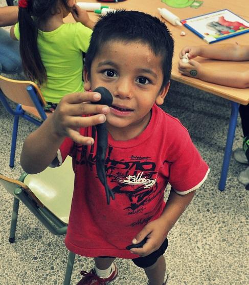 Actividades extraescolares de la Asociación Entre Amigos en Polígono Sur